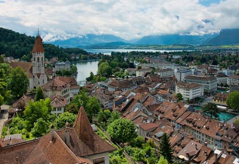 Thun, Switzerland. Photo by chensiyuan